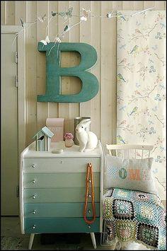 Cute bedside table - ombré / degradé style