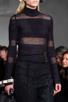 Proenza Schouler at New York Fashion Week Fall 2015 - Details Runway Photos Knitwear Fashion, Knit Fashion, Knitted Mittens Pattern, Conceptual Fashion, Monochrome Outfit, New York Fashion, Milan Fashion, Knitting Designs, Proenza Schouler