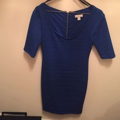 Bisou 3/4 sleeve Royal blue dress Never been worn 🎉 Bisou Bisou Michele Bohbot semi-scoop neck Royal blue casual/ office dress. Zipper extends down the back of the dress, stopping mid dress. 3/4 length sleeves. Royal blue. Great for a night out or even a day in the office 👓 Bisou Bisou Dresses