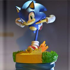 """Sonic the Hedgehog is described as a character who is """"like the wind"""", a drifter who lives as he wants, and makes life a series of events and adventures. Sonic hates oppression and staunchly defends freedom Sonic is known as the world's fastest hedgeho Sonic Dash, The Sonic, Sonic Boom, Sonic The Hedgehog, Silver The Hedgehog, Sonic Birthday Parties, Sonic Party, 11th Birthday, Sonic Adventure"""