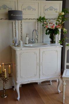 Bathroom with shabby chic dresser (42)