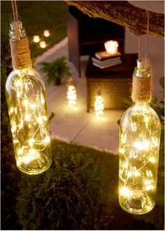 """Jetzt anschauen: Die LED-Deko """"Weinflasche"""" mit hübschem Lichteffekt ist ein zauberhafter Blickfang. Im originellen Design gestaltet, wird sie wirkungsvoll die Blicke der Gäste auf sich lenken. Romantisch lassen sich mit der Deko-Lampe Bereiche auf der Terrasse, im Garten und auch in der Wohnung in Szene setzen. Die Lampe verfügt über eine integrierte Lichterkette und einen An- und Ausschalter. Für die Aufhängung ist ein passendes Band im Lieferumfang enthalten. Ein Statement für Harmonie…"""