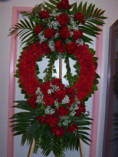 Flower Wreath Funeral, Funeral Flowers, Funeral Floral Arrangements, Modern Flower Arrangements, Angel Wings Decor, Cemetery Decorations, Cemetery Flowers, Sympathy Flowers, Valentines Flowers
