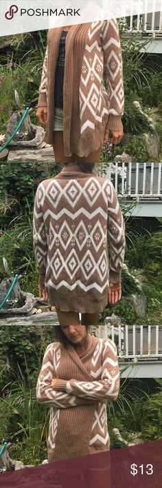 Shrug sweater Tan and white shrug sweater. Old Navy Sweaters Shrugs & Ponchos