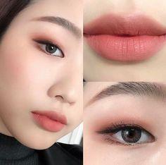 Korean Makeup Tutorials If you look at make-up for work less is more. U – Gold Fashion Korean Makeup Tutorials If you look at make-up for work less is more. U Korean Makeup Tutorials If you look at make-up for work less is more. Simple Makeup Looks, Fall Makeup Looks, Creative Makeup Looks, Pretty Makeup, Amazing Makeup, Gorgeous Makeup, Pocahontas Makeup, Moana Makeup, Green Makeup