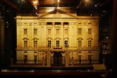 The Queen's Dollhouse