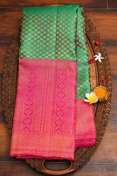 Blue Silk Saree, Kanjivaram Sarees Silk, Khadi Saree, Kanchipuram Saree, Soft Silk Sarees, Saree Tassels Designs, Cotton Saree Designs, Silk Saree Blouse Designs, Bridal Blouse Designs