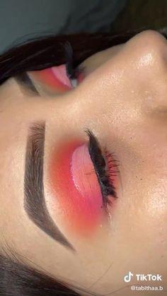 Makeup Eye Looks, Eye Makeup Art, Eyeshadow Makeup, Makeup Inspo, Makeup Inspiration, Makeup Tips, Colorful Eye Makeup, Orange Makeup, Sunset Makeup