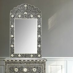 Mirror with intarsia flower mosaic