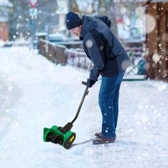 Top 5 Best Electric Snow Shovels: Reviews & Buying Guide 2018 Electric Snow Shovel, Shoveling Snow, Yard Tools, Outdoor Power Equipment, Halloween Decorations, Stuff To Buy, Charger, Garden Ideas, Clever