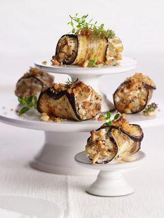 Röllchen von der Aubergine mit Pinienkernen | http://eatsmarter.de/rezepte/roellchen-von-der-aubergine-mit-pinienkernen