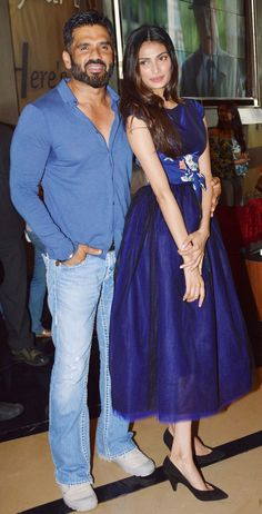 Athiya Shetty and dad Suniel Shetty at the trailer launch of