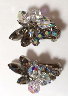 Vintage Jewelry Repurposed - I love these sparkling Juliana rhinestone earrings. The earrings are verified Juliana D Black Diamond Earrings, Rhinestone Earrings, Vintage Earrings, Clip On Earrings, Vintage Rhinestone, Vintage Brooches, Vintage Costume Jewelry, Vintage Jewelry, Cheap Jewelry Online