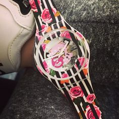 #Swatch ROSE EXPLOSION http://swat.ch/1wnkulf