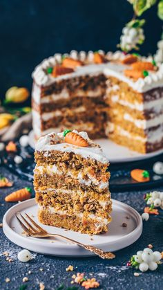 Happy Friday made this Moist and fluffy CARROT CAKE with vegan cream cheese frosting. Are you making a cake this. Vegan Treats, Vegan Desserts, Delicious Desserts, Vegan Food, Dessert Dishes, Dessert Recipes, Dairy Free Recipes, Baking Recipes, Vegan Cream Cheese Frosting