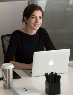 Jules Ostin The Intern Movie - Le nouveau stagiaire Anne Hathaway
