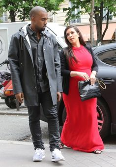 Kris Jenner is at the center of the money debate. She's advising Kim Kardashian to put in the cheating clause into her prenup with fiance, Kanye West. Celebrity Babies, Celebrity Gossip, Kim Kardashian Kanye West, Kris Jenner, North West, Normcore, Jealous, Celebrities, Laundry