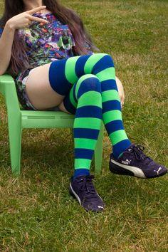 cac249d5e Extraordinary Bright Stripes Calças Listradas
