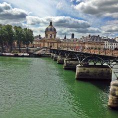 Pont Des Arts | Paris | França ➡️️️️www.sonhandoeviajando.com