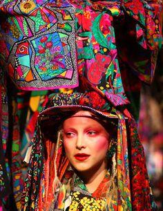 MARAÑÓN › Blog Jenny Kee, Red Indian, Funky Fashion, Crazy Shoes, Hair Art, Street Chic, Rapunzel, Textile Design, Rainbows