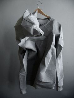The T-Shirt Issue - fashion meets sculplture