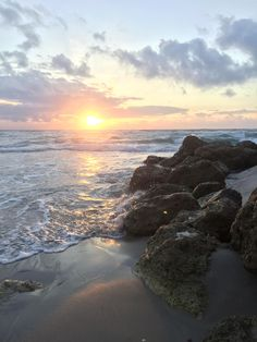 Sunrise in Palm Beach Florida [1920 x 1080] [OC]   landscape Nature Photos