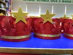 coroas Crafts For Kids To Make, Diy And Crafts, Foundation Stage, Catholic Crafts, Kings Day, Ideas Para Fiestas, Totally Awesome, Toddler Activities, Mardi Gras