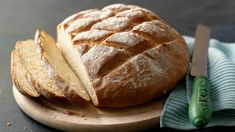 Paul Hollywood shows you how to make bread in a step-by-step video recipe. Paul Hollywood shows you how to make bread in a step-by-step video. The Great British Bake Off, The Paradise Bbc, Pain Thermomix, Easy White Bread Recipe, Cob Loaf, Loaf Recipes, Bbc Good Food Recipes, Cooking Recipes, How To Make Bread