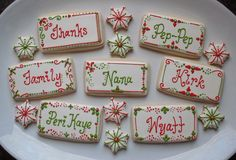 Hundreds of FREE EASY Christmas Decor, Christmas Craft, Christmas DIY Ideas in 1 website. We are sure you can find great ideas for upcoming Christmas. Christmas Place Cards, Christmas Tag, Christmas Treats, Christmas Desserts, Christmas Baking, Icing For Gingerbread Cookies, Christmas Sugar Cookies, Cookie Drawing, Diy Place Cards