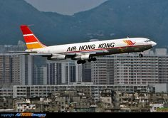 Boeing 707-321C Cargo Aircraft, Boeing Aircraft, Military Jets, Military Aircraft, 321 Image, Illinois, Kai Tak Airport, Turbofan Engine, War Jet