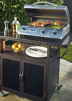 Help your Dad celebrate this weekend with a brand new grill from Frontgate for Father's Day.
