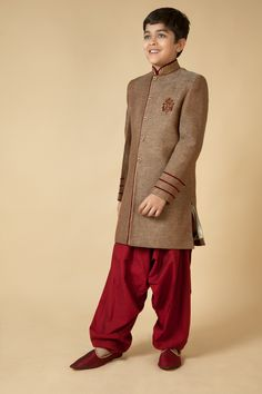 Jute Indowestern sherwani with polysilk patiala embellished with resham, zari and katdana embroidery. Item number KB15-22