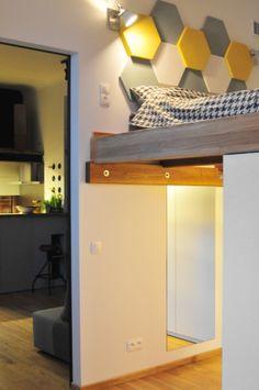 Sypialnia z wykorzystaniem miękkich paneli ściennych 3D Fluffo, Fabryka Miękkich Ścian (kolekcja HEXA). Projekt by: www.facebook.com/artofhome