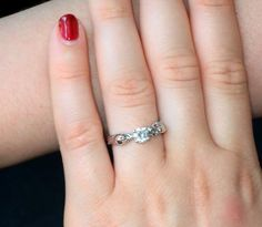#happycustomer Michelle sent us this gorgeous picture wearing her bespoke engagement ring. Love it!