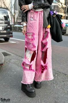 Candy Stripper Ripped Pink Jeans Over Tights Estilo Harajuku, Tokyo Street Fashion, Japanese Street Fashion, Japan Street, Alternative Outfits, Alternative Fashion, Aesthetic Fashion, Aesthetic Clothes, Cute Fashion