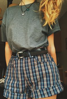 50aa8269d1 yes yes yes high waisted patterned shorts (maybe mom shorts from thrift  store and just black belt from Target/grey shirt) styling: long chain  necklace and ...