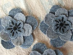Cut from unwanted blue jeans. Denim Flowers, Fabric Flowers, Hand Embroidery Videos, Embroidery Patterns, Sewing Crafts, Sewing Projects, Denim Scraps, Denim And Diamonds, Jean Crafts