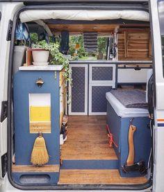 Smart niche shelf making most of space in the camper van via Van Conversion Interior, Camper Van Conversion Diy, Van Conversion Products, Motorhome Interior, Campervan Interior, Camper Van Life, Vw Camper, Combi Ww, Van Vw