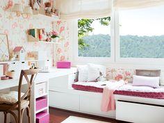Smart, compact girls bedroom. ElMueble.com