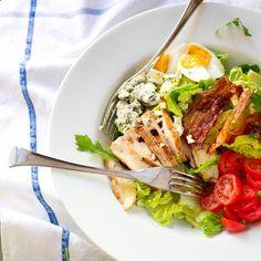 Cobbin salaatti (Cobb Salad) eli amerikkalainen kanasalaatti