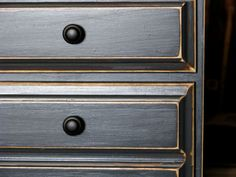 Be Still my Heart! » Gypsy Couture Blog Annie Sloan Chalk Paint in Graphite - distressed edges