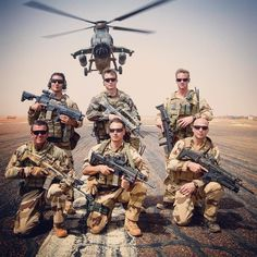 Special forces, fighter jets, special operations, army and Military pictures and videos Military Gear, Military Veterans, Belle France, French Foreign Legion, Police, Military Pictures, French Army, Us Marines, Military Discounts