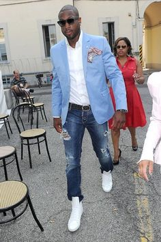 4080bae2e574c Try pairing a light blue sport coat with navy ripped jeans if you re going