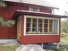 Red Cottage, Cottage Homes, Entrada Frontal, Scandinavian Cabin, Weekend House, Swedish House, Exterior House Colors, Big Houses, Beautiful Homes