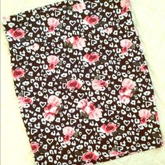 Romantic Pencil Skirt So cute, can be dressed up or down, bundle and save!❣ torrid Skirts Pencil