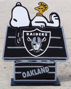 OAKLAND RAIDERS Snoopy Doghouse with Woodstock by duranduran2946