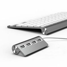 "Modern Workspace  :: SATECHI  Premium 4 Port Aluminum USB Hub (9.5"" cable) for iMac, MacBook Air, MacBook Pro, MacBook, and Mac Mini (Silver) = SEXY"