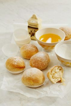 Vanillecreme-Hefebällchen | http://eatsmarter.de/rezepte/vanillecreme-hefebaellchen
