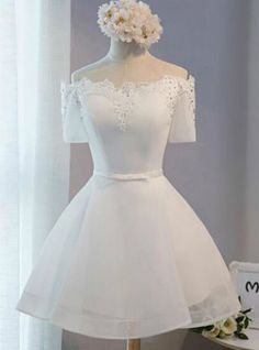 In Stock:Ship in 48 hours Short Sleeve White Homecoming Dress Auf Lager: Versand in 48 Stunden Short Sleeve White Homecoming Dress Dama Dresses, Quince Dresses, Short Dresses, Formal Dresses, Short Tulle Dress, Tulle Lace, Mini Dresses, White Homecoming Dresses, Bridesmaid Dresses