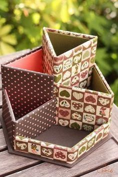It is the work of cartonnage lessons ♪ Cardboard Organizer, Cardboard Box Crafts, Newspaper Crafts, Cardboard Furniture, Diy Storage Boxes, Craft Storage, Handmade Crafts, Diy And Crafts, Diy Karton